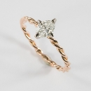 Verlobungsring aus Rotgold mit Diamant