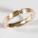 Verlobungsring in Rotgold gefasst mit grünem Fair Trade Turmalin